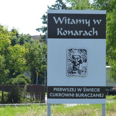 Znak witamy w Konarach