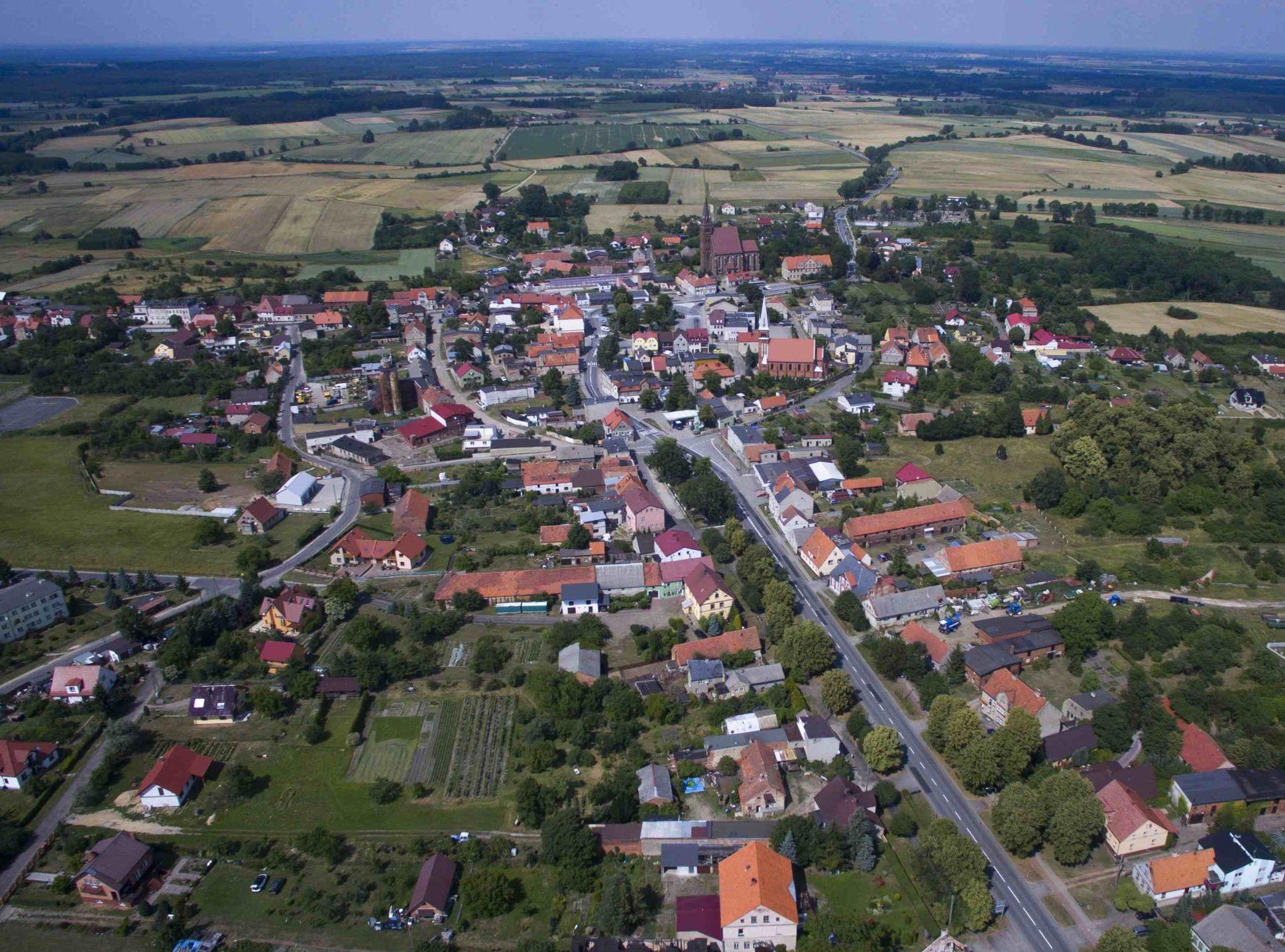 Ujęcie miejscowości Wińsko z drona.