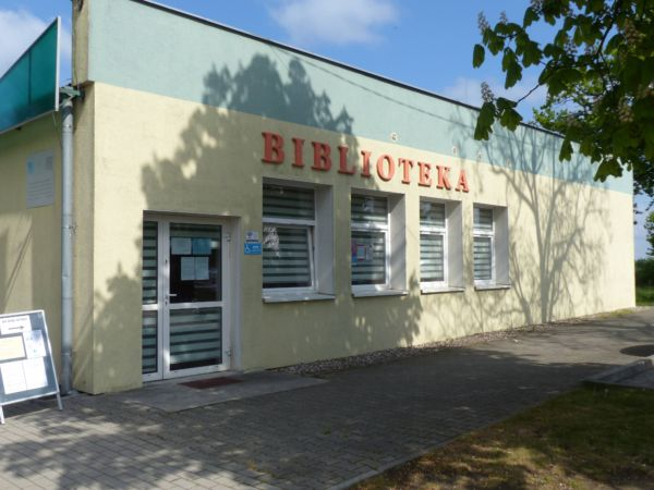 Biblioteka Publiczna w Wińsku, ujęcie z zenątrz